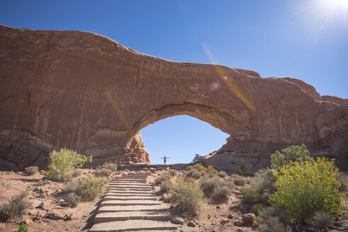 USA, Utah, Arches National Park, North Arch Hiking Trail - EPF00334
