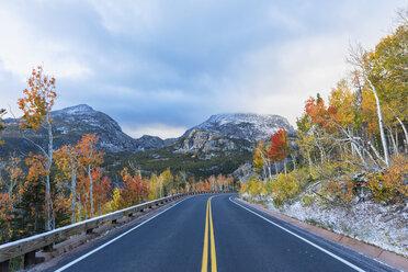 USA, Colorado, Boulder, Colorado, Rocky Mountain National Park, Bear Lake Road, Indian Summer - FOF08848