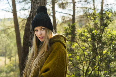 Portrait of young woman in nature - KKAF00412