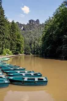 Germany, Saxony, Elbe Sandstone Mountainsm Boats on Elbe river - LMF00597