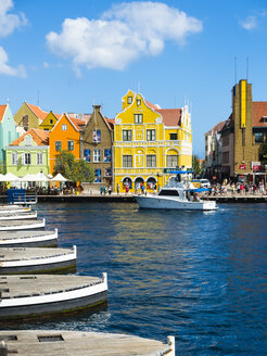 Caribbean, Antilles, Curacao, Willemstad, View from Queen Emma Bridge - AMF05277
