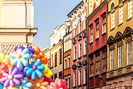 Poland, Krakow, Old Town, Main Square, town houses and flower balloons - CSTF01238