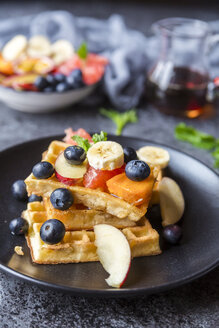 Waffles with various fruits and maple sirup - SARF03191