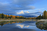 USA, Wyoming, Grand Teton National Park, view to Teton Range with Snake River in the foreground - FOF08898