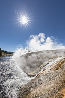 USA, Wyoming, Yellowstone National Park, Midway Geyser Basin, Firehole River - FOF08949