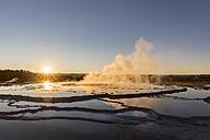 USA, Wyoming, Yellowstone National Park, Lower Geyser Basin, Firehole Lake Drive, Great Fountain Geyser - FOF08950
