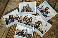 Six instant photos of two best friends - KIJF01325