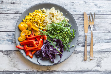 Plate of rainbow salad with bulgur, rocket and different vegetables - SARF03236