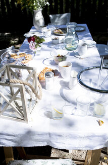 Laid garden table - WESTF22792