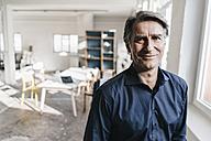 Portrait of confident mature businessman - JOSF00683