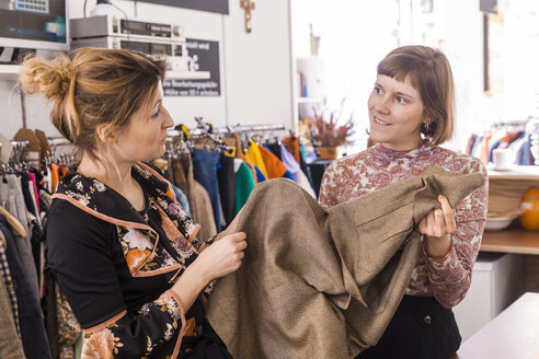 Two women in a second hand shop - TCF05301