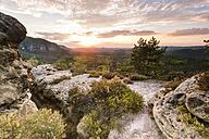 Germany, Saxony, Saxon Switzerland, Kleiner Zschand and Winterstein at twilight - FPF00134