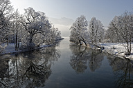 Germany, Bavaria, frost at Loisach near Kochel am See - LBF01582