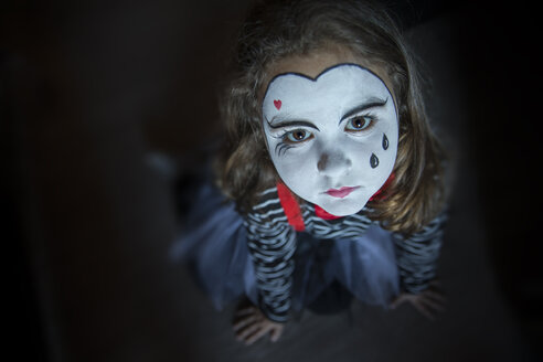 Portrait of sad little girl rouged as a harlequin - ERLF00201