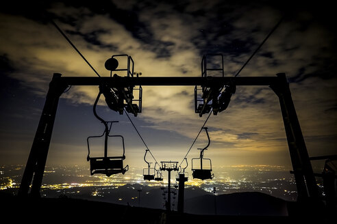 Italy, ski lift at night - SIPF01452