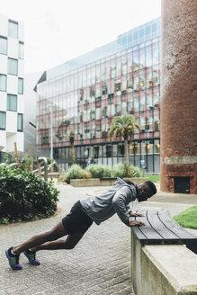 Irlenad, Dublin, young man exercising in the city - BOYF00688
