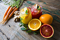 Juice with oranges and ginger and mint and carrots - GIOF02261