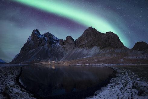 Iceland, landscape with Aurora Borealis - EPF00391