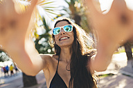 Young woman taking selfie - GIOF02393
