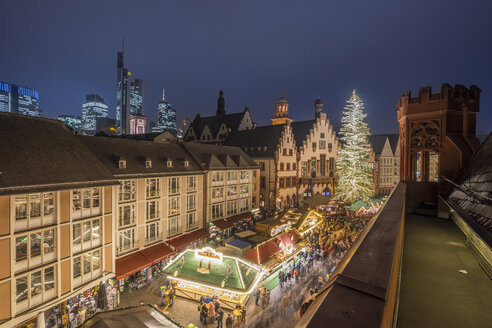 Germany, Frankfurt, Christmas market at Roemerberg in the evening seen from above - PVC01052