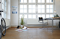 Interior of a modern informal office - FKF02192