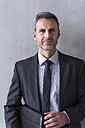 Portrait of a mature businessman - DIGF01545