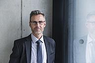 Portrait of a mature businessman - DIGF01560