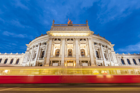 Austria, Vienna, Burgtheater, ring road, tram at night - WDF03946