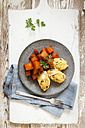 Braised root vegetables with boletus polenta - EVGF03186