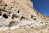 USA, New Mexico, Frijoles Canyon, Bandelier National Monument, Ruins of the Ancestral Pueblo People, Cliff Dwellings, Long Hous - FOF09167