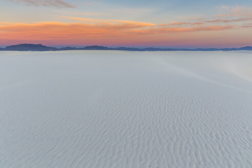 USA, New Mexico, Chihuahua Desert, White Sands National Monument, landscape at sunrise - FOF09195