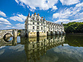 France, Chenonceaux, view to Chateau de Chenonceau with water reflection - AM05368