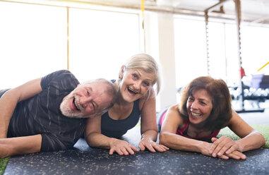 Senior friends having fun in gym - HAPF01456