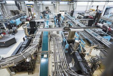 Factory shop floor, molding section - DIGF01800