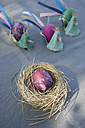 Easter decoration with nest, egg and self-made egg cups - GISF00284