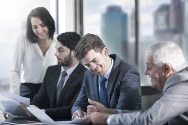 Group of businesspeople in meeting - ZEF13642