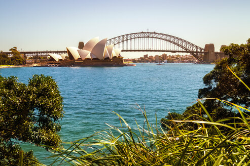 Australia, Sydney, view to Sydney Opera House and Harbour Bridge - PUF00642