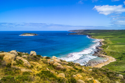 Australien, Victoria, view to coast from Great Ocean Road - PUF00648