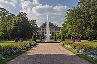 Germany, Fulda, palace garden with  orangery in the background - PVC01089