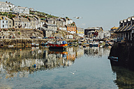 UK, England, Cornwall, fishing harbour in Mevagissey - NMSF00069