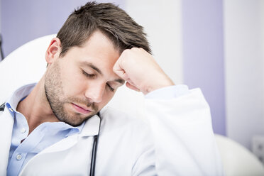 Portrait of exhausted doctor - WESTF22992
