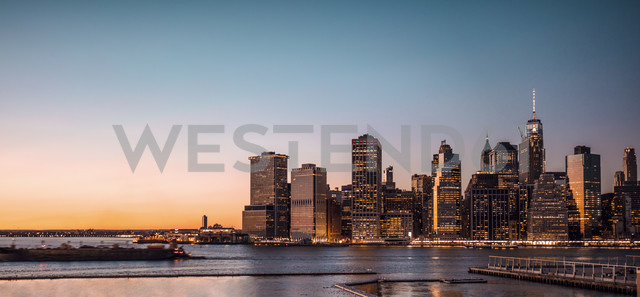 USA, New York City, cityscape at dusk - DAWF00550