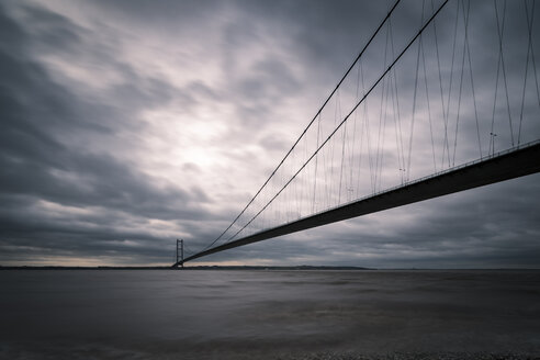 UK, England, Kingston upon Hull, Humber Bridge - SMAF00740