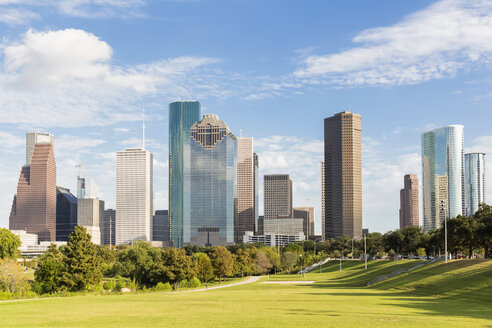 USA, Texas, Houston, Skyline and Eleanor Tinsley Park - FOF09258