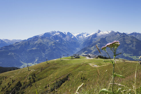 Austria, Salzburg State, mountain panorama from Schmittenhoehe - GWF05201