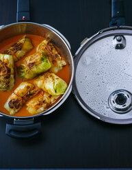 Stuffed cabbage in steamer - PPXF00053