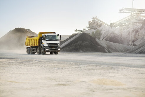 Dump truck at quarry - ZEF13715