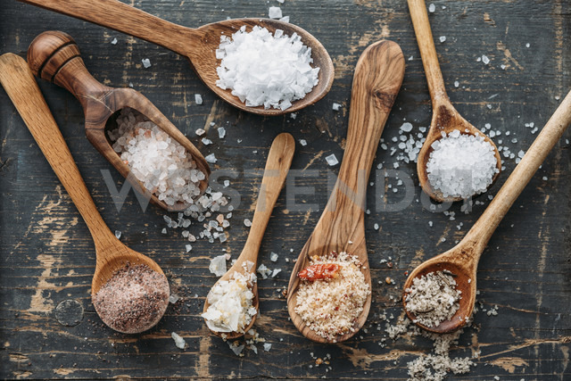 Wooden spoons with different sorts of salt - IPF00383