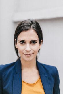 Portrait of confident businesswoman - JOSF00981