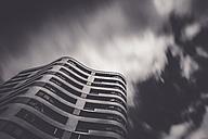 Germany, Munich, Mittersendling, modern apartment tower - FCF01202